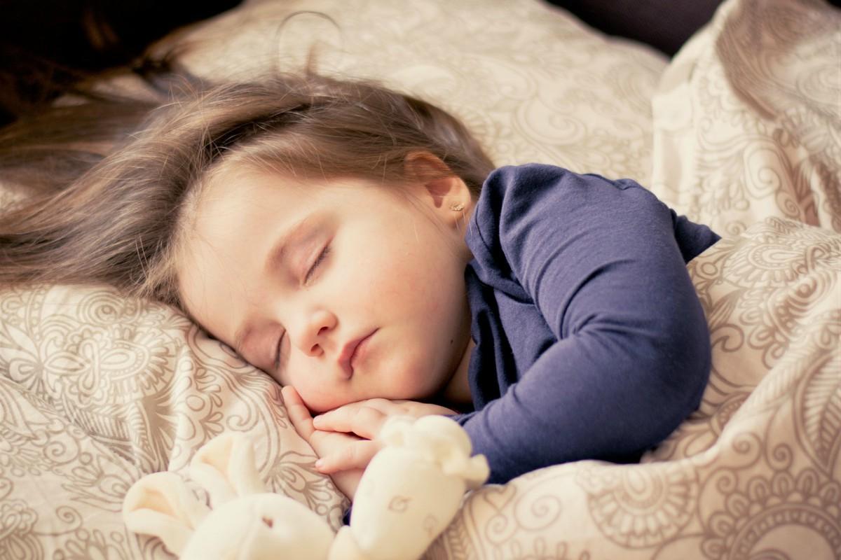 Dormir bien es imprescindible para una buena salud.