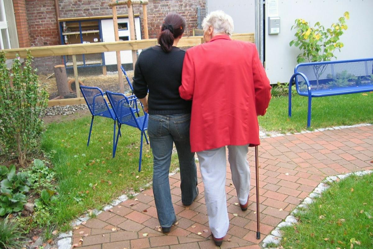 Cuidar personas mayores con Alzheimer