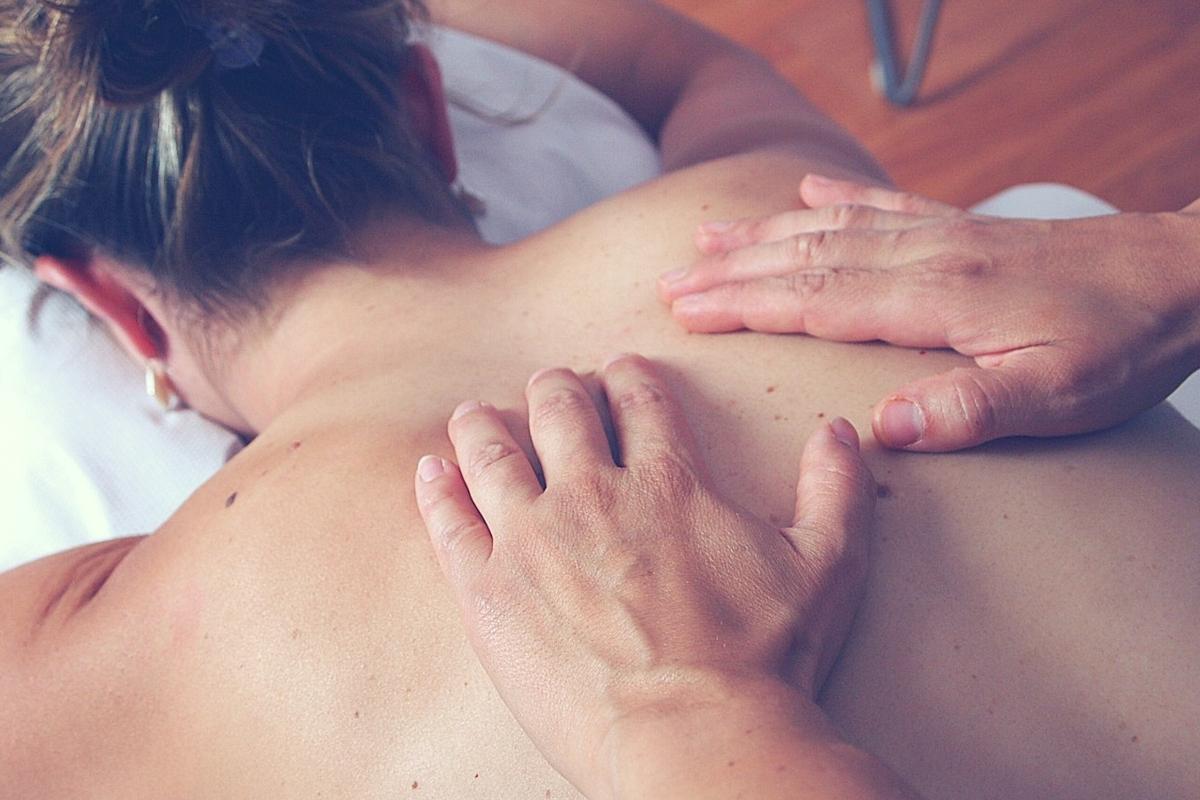 Los masajes para parejas aportan muchos beneficios a la relación